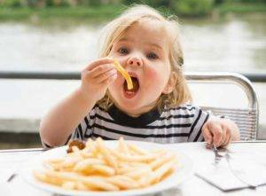 How-to-Eat-French-Fries