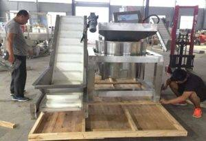 Continuous-Working-Type-French-Fries-De-Oiling-Machine-for-Bangladesh-Customer