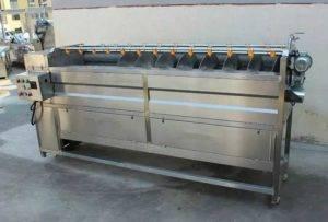 screw-moving-type-potato-washing-and-peeling-machine