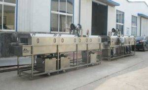 High-Pressure-Water-Spray-Plastic-Tray-Cleaning-Machine